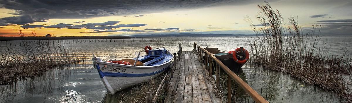 Barcas albufera nublado