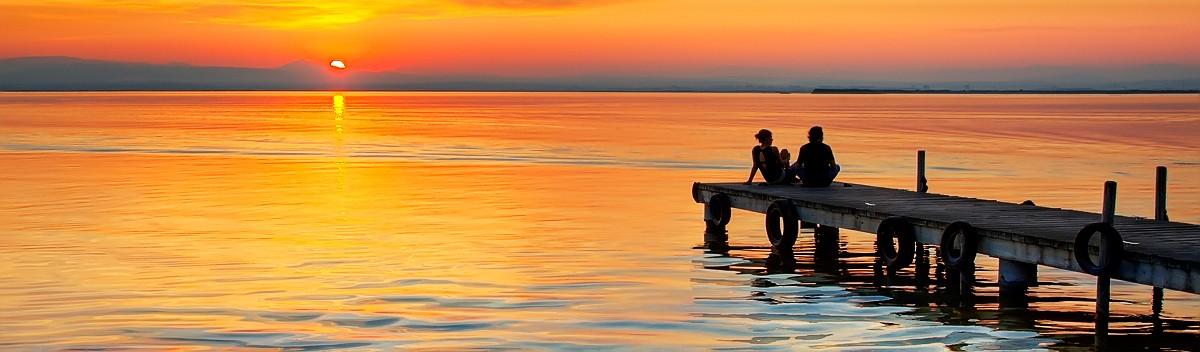 puesta de sol albufera pareja